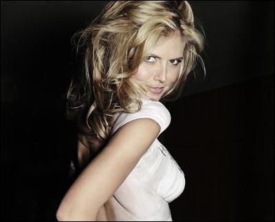 1994 albums and super models Katherine ann moss, dite kate moss, née le 16 janvier 1974 à addiscombe, quartier de croydon à londres, est un célèbre et très actif mannequin britannique.